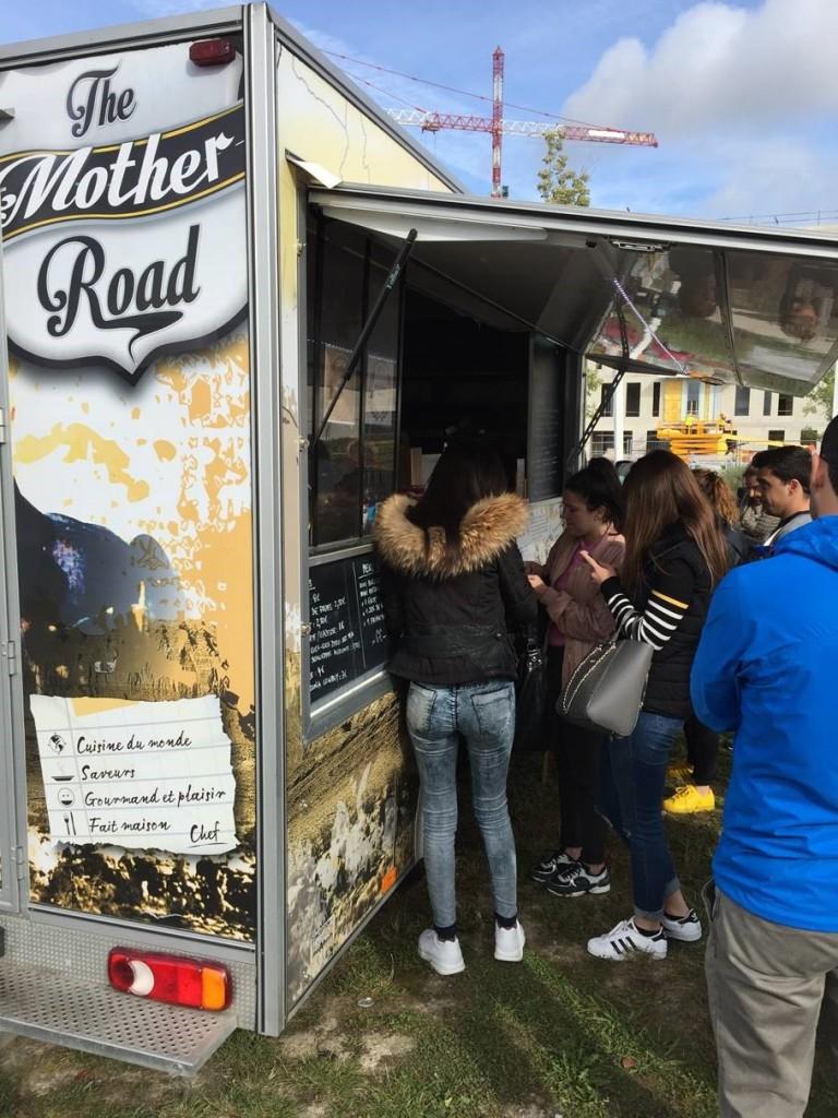 Le Food Truck «The Mother Road» fait escale dans la zone tous les mardis